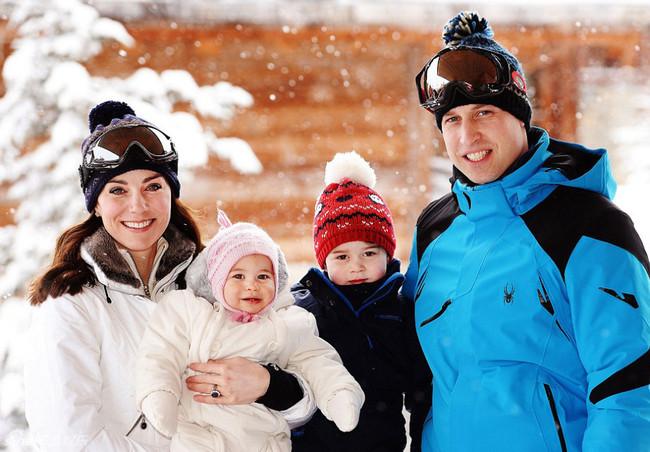 威廉王子一家滑雪秀幸福 俩萌娃超可爱