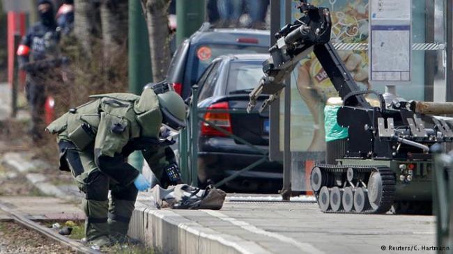 比利时警方发起突击行动 有爆炸声传出
