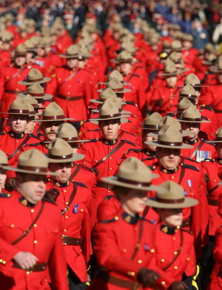 加拿大皇家骑警改招募规定 永久居民可申请