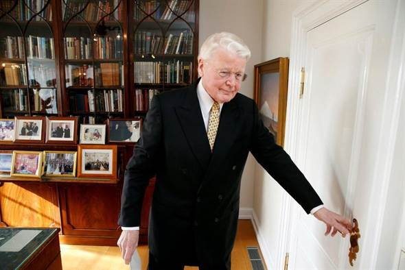 因为巴拿马文件 冰岛总统宣布不再连任