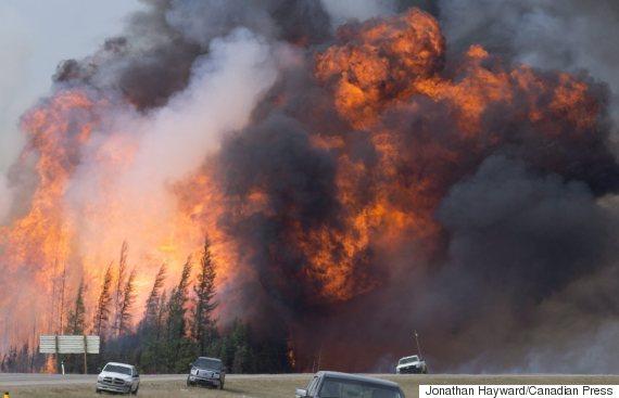 大火逃难者路在何方  撤离一个也不能少