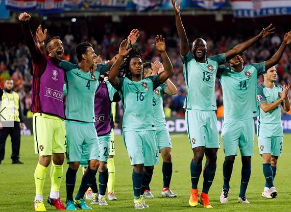欧洲杯一颗红星升起!最佳压C罗