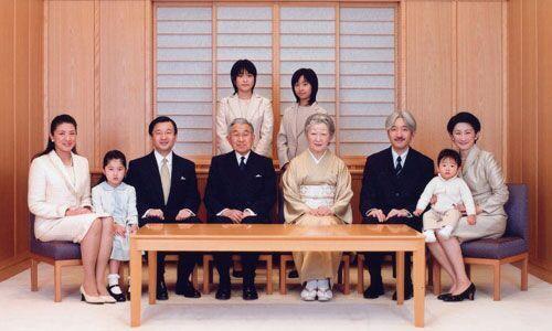 日本天皇欲生前退位 系200年来首次
