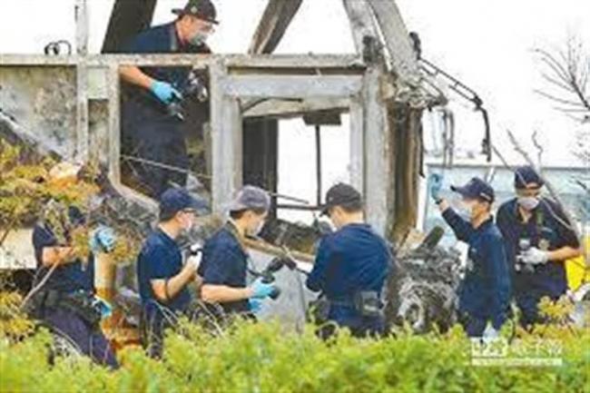 26死火烧车 6大证据指向司机自焚