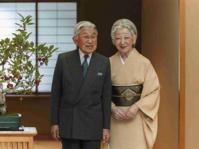 日本大地震   天皇正式宣布退位意愿