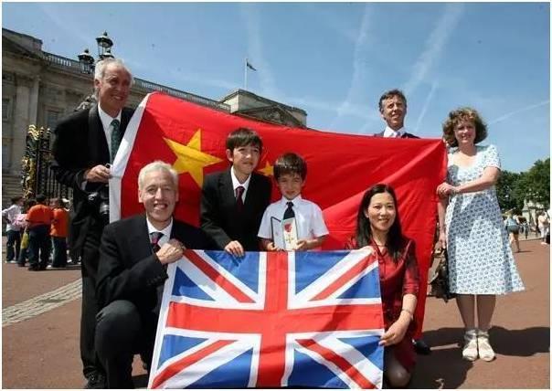 英国人在长城捡垃圾22年 被女王授勋章