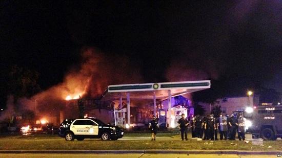 连续两晚骚乱 威斯康星州密尔沃基宵禁