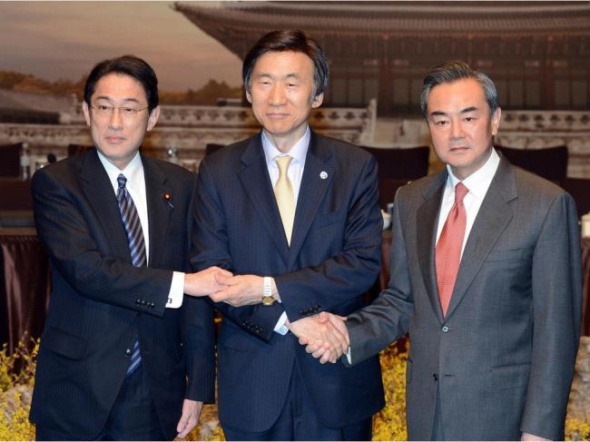 王毅拒与日韩双边会谈 北京在较劲什么