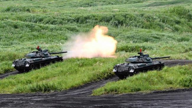 日本进行大规模实弹演习 以夺岛为假想目标