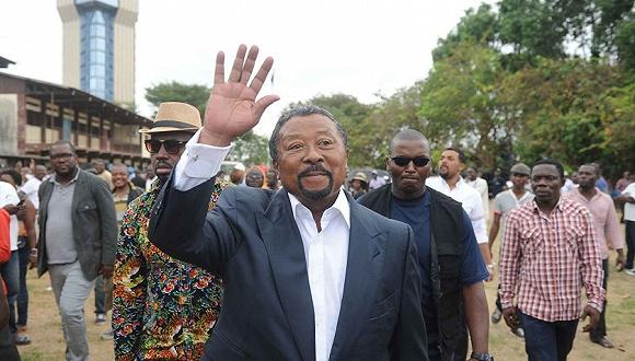 温商之子不仅意外败选加蓬总统还被突袭