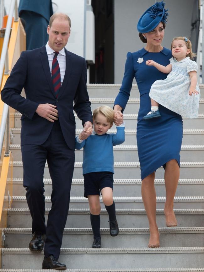 威廉和凯特举家访问加拿大 儿女超抢镜
