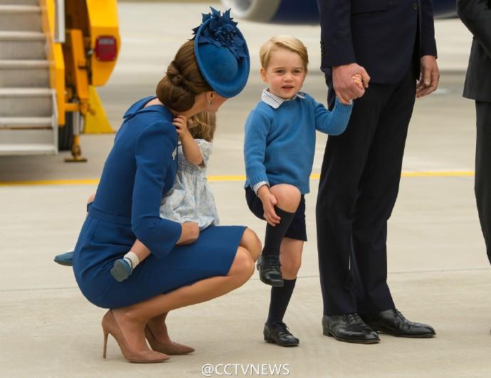 英国小王子访加拿大 拒与加总理握手