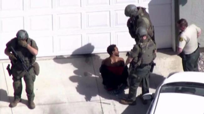 洛杉矶警察抓非裔小偷 反遭其枪杀