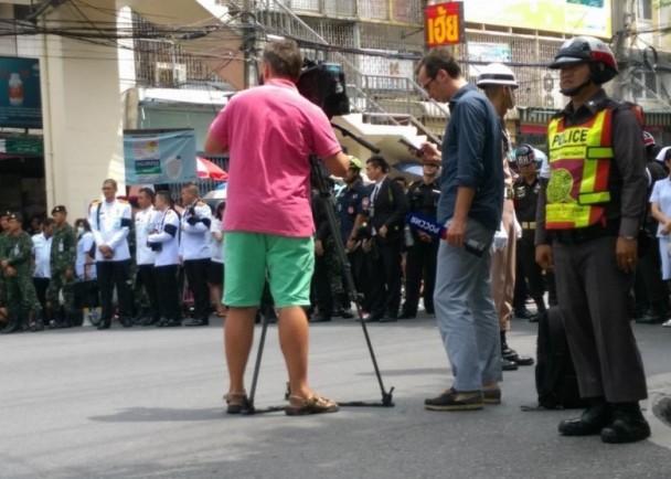 这张照片 遭到泰国民众猛烈抨击