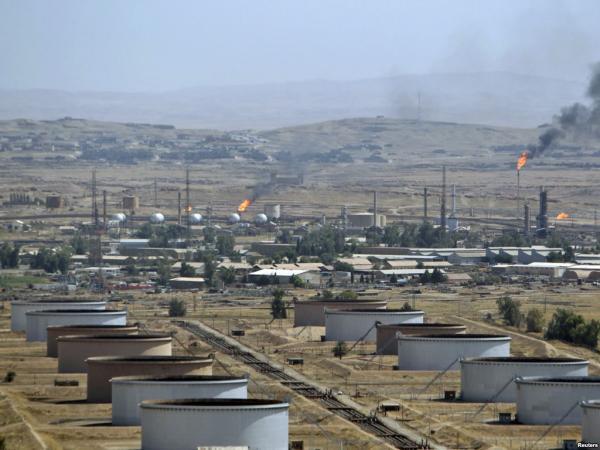 第一桶 中国在伊朗最大油田原油启运回国