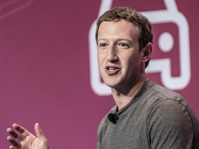 推特将死 脸书要完?美大学生论社交媒体