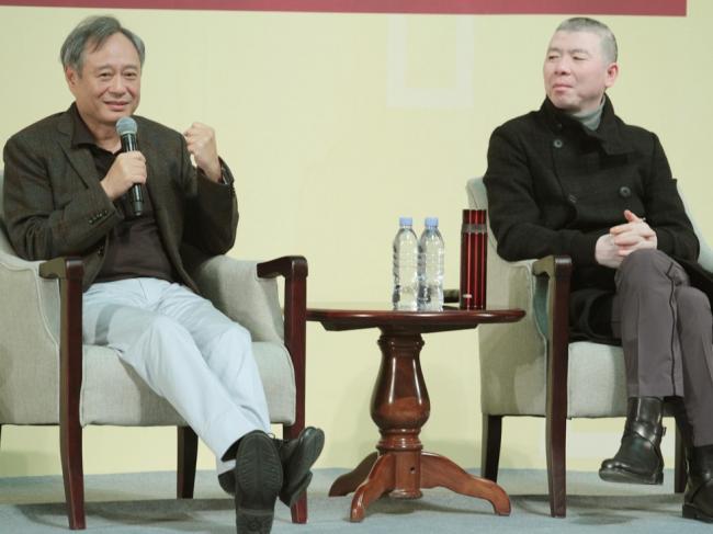两大导演对话乐趣多 李安想被太太数落