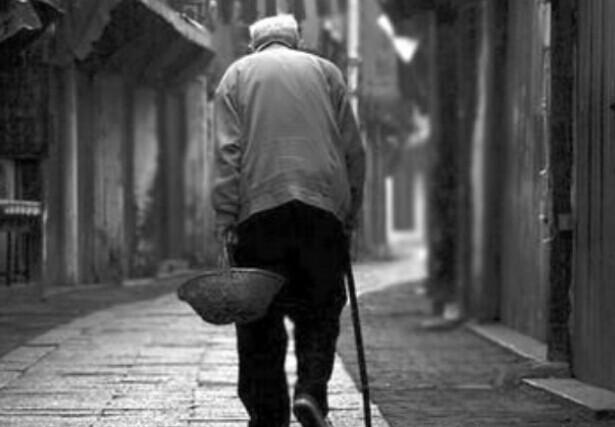 海外移民如何面对逐渐老去的父母?
