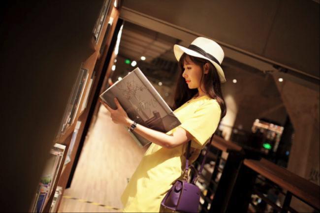 网红7号Nikki:专业模特和旅游达人