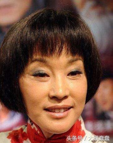 刘晓庆卸妆后吓死人了,真是惨不忍睹