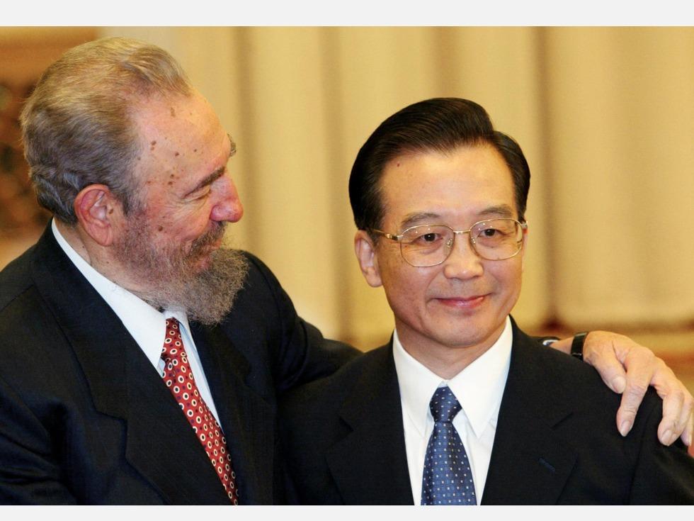 热帖:中国派谁出席卡斯特罗的葬礼?