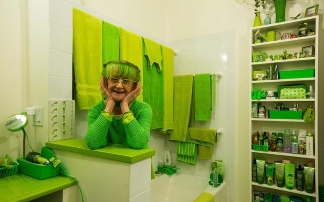 """""""绿夫人""""痴迷绿色20年 吃穿住行全绿色"""