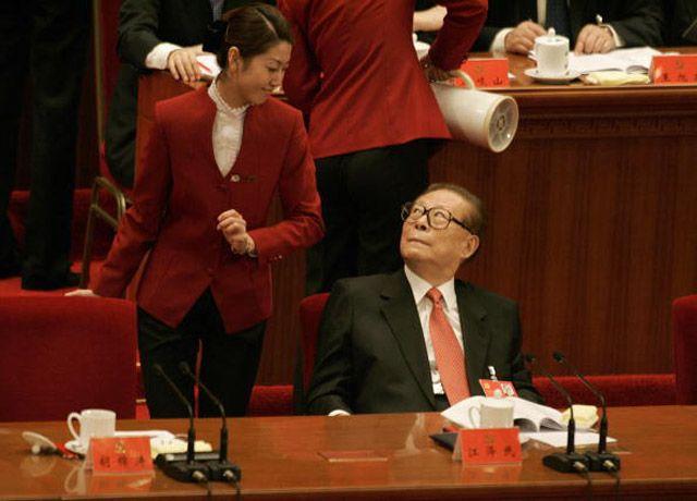 政法委书记说  应该给江泽民找个处女