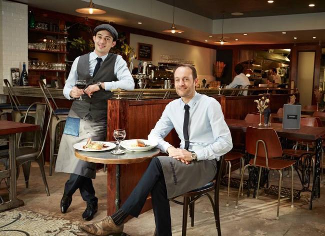 温哥华街头最具巴黎风情的小馆