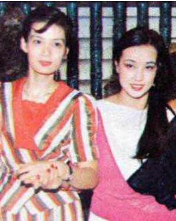 66岁斯琴高娃一出场,61岁刘晓庆和62岁潘虹瞬间被比了下去