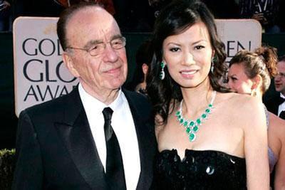 默多克离婚17天就娶她 邓文迪魔法在哪儿
