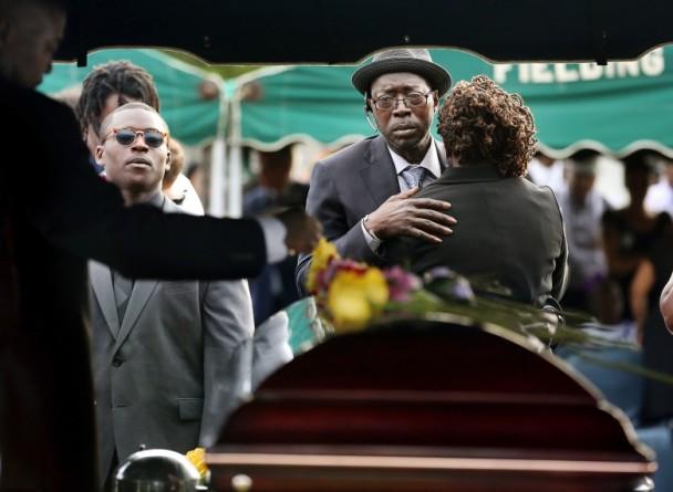 血洗黑人教堂杀9人 美白人男仇恨罪判死