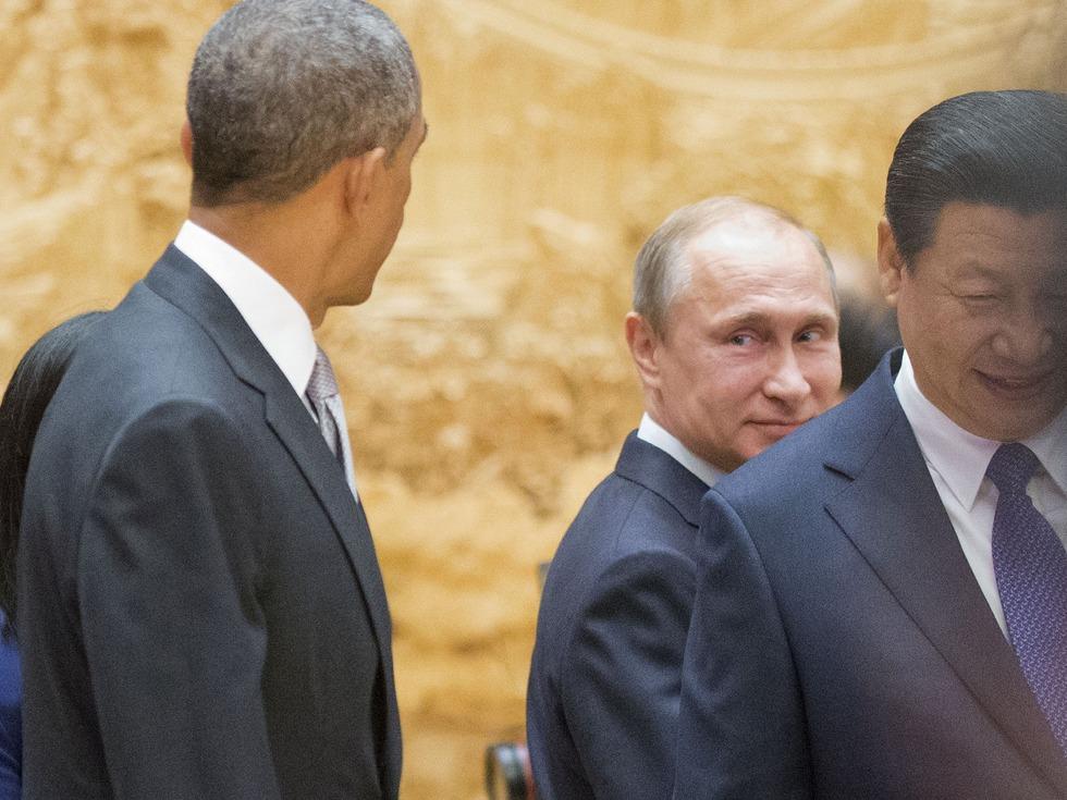 奥巴马告别之际为何警告中俄