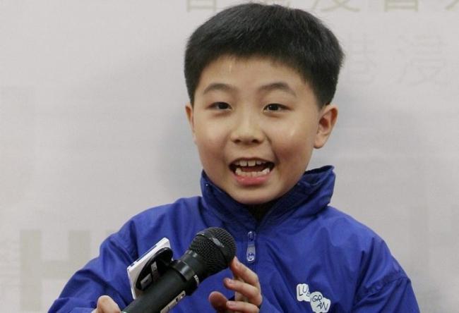 华裔神童9岁读大学 18岁当上UCLA教授