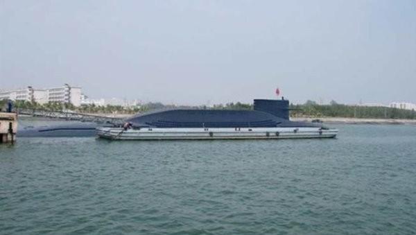 解放军2艘核潜艇水面并行 隐蔽性能升级