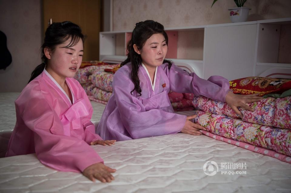 这是朝鲜女工新宿舍:设施齐全 生活简朴