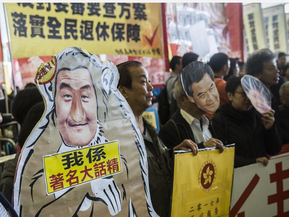 胡国兴:梁振英欠香港人一个道歉