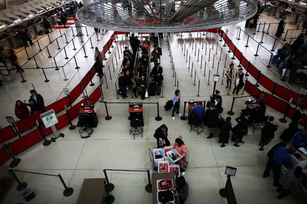 达美航空穆斯林员工机场遇袭