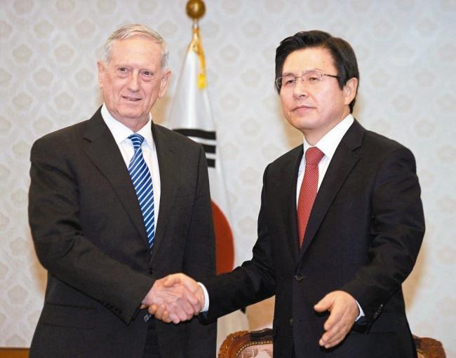 """美国防部长抵韩 敲定续推""""萨德"""""""