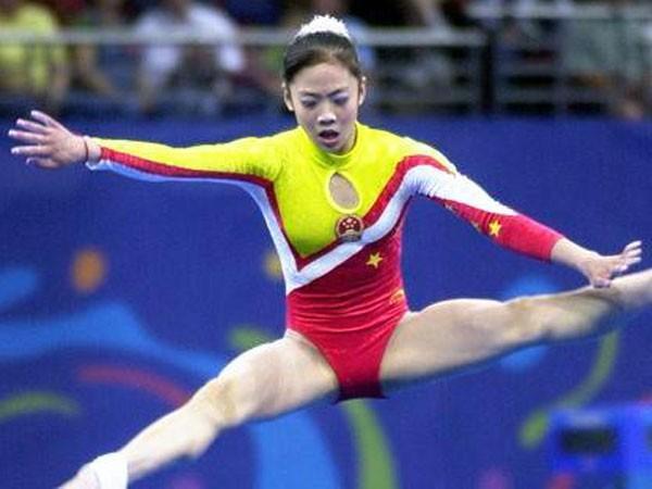 杨威妻大嘴巴 中国体操惨被剥夺奥运奖牌
