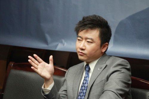 芮成钢自封代表亚洲 被批中国耻辱