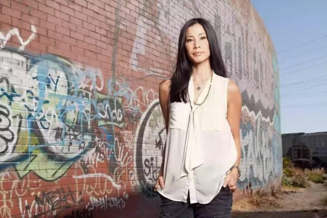 从小是差生 她却成最著名的华裔CNN主播