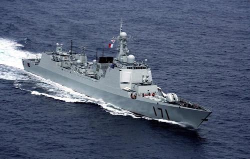 解放军演练岛礁防卫 回应美航母来南海