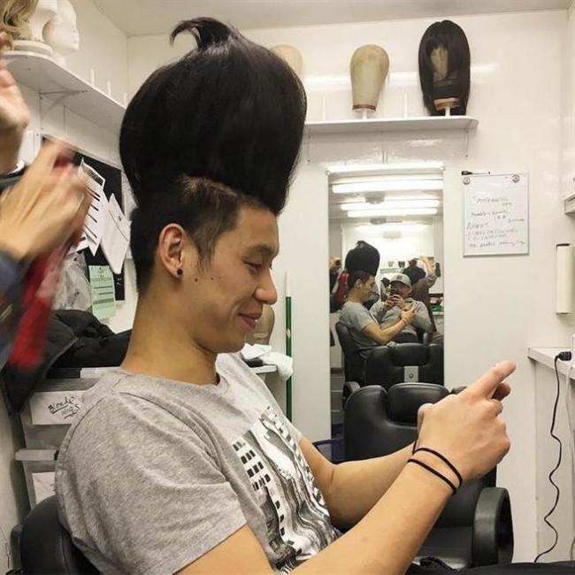 太扯了 林书豪的新发型竟如此夸张