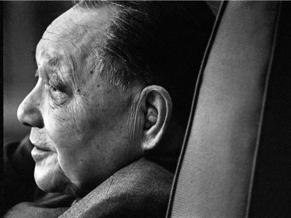 20年来葬礼规格最高 江泽民致辞五次拭泪