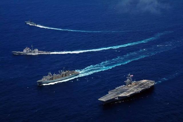 美国航母横行南海   被一盟国狠戳脊梁骨