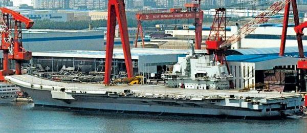 中国首艘国产航母组装完成  很快下水