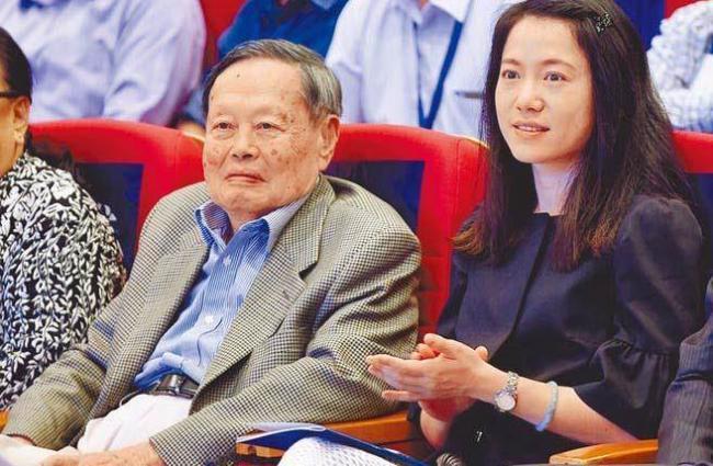 杨振宁父亲 临终都没原谅他放弃中国国籍