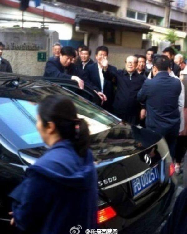 江泽民现身上海老宅的视频在网络热传