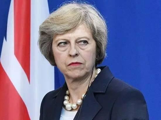 """英首相给自己挖""""坑"""" 对民怨该如何是好"""