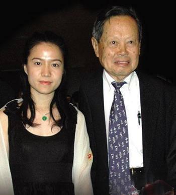 82岁杨振宁为何不顾一切娶翁帆 真相辣眼